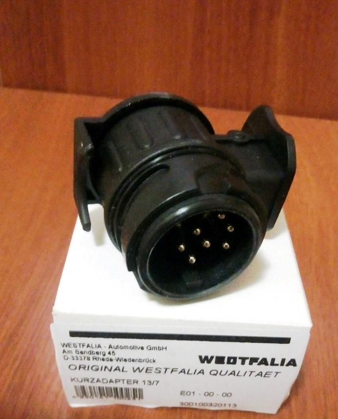 Переходник 300100320113 с 13 контактной розетки на 7 контактную (Адаптер розетки). Westfalia