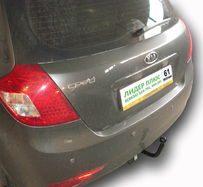 Фаркоп K110-A для KIA CEE'D (хетчбек) 2007-2012 / HYUNDAI I30 2008-2012. Leader-Plus